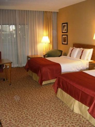 Holiday Inn Evansville Airport Photo