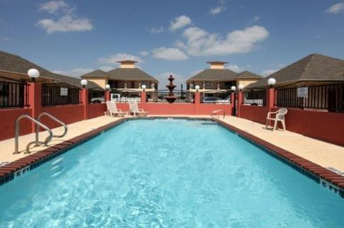Americas Best Value Inn And Suites San Benito Medical Center