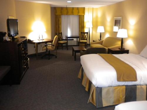 Holiday Inn Express Blowing Rock South Photo
