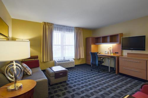 Towneplace Suites By Marriott Kansas City Overland Park - Leawood, KS 66209