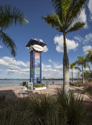 Courtyard by Marriott Bradenton Sarasota/Riverfront Photo
