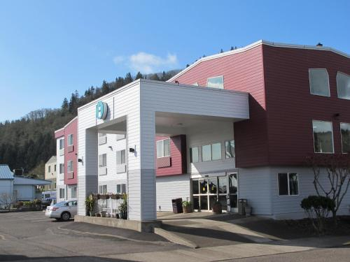 The Garibaldi House Inn and Suites Photo
