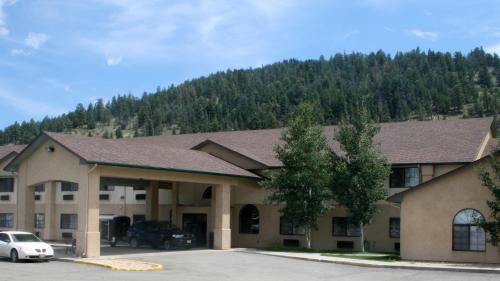 Allington Inn & Suites South Fork