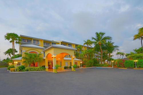 Key West Bayside Inn & Suites Photo