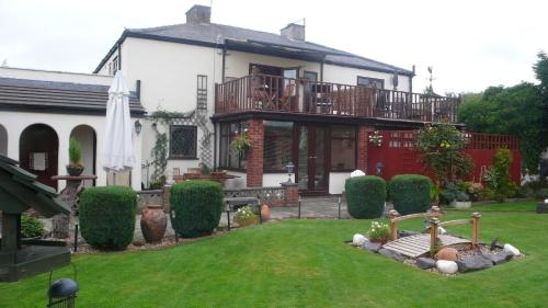 Photo of The Robins Guest House Hotel Bed and Breakfast Accommodation in Great Sankey Cheshire
