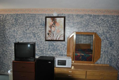 Travel Inn Motel Michigan City Photo