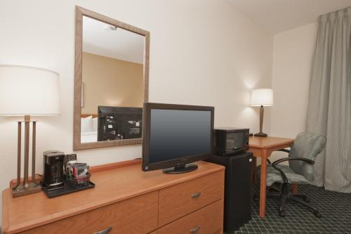 Fairfield Inn Davenport Photo