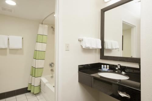Fairfield Inn Chicago/Gurnee Photo