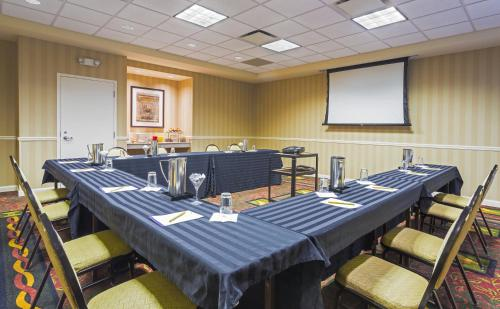 Hilton Garden Inn Saratoga Springs Photo