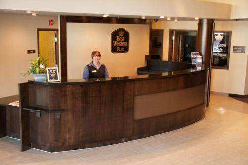 Best Western Plus Bridgewater Hotel & Convention Centre Photo