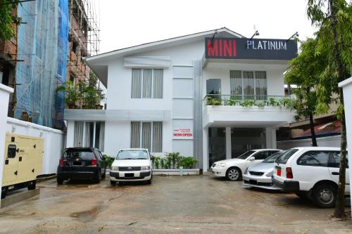 Mini Platinum Guest House, Янгон