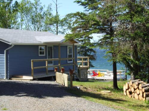 Waterfront Cottage Bras d'Or Lake Photo