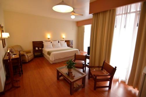 Hotel Plaza Uruapan Photo