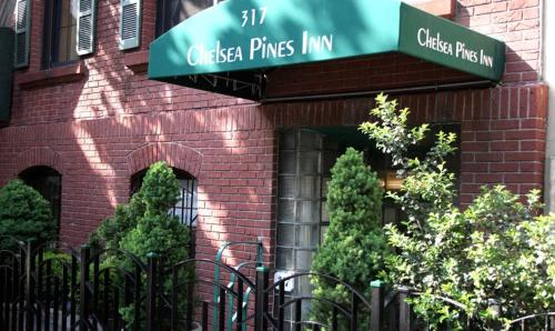 Chelsea Pines Inn Photo