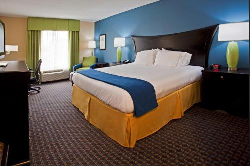 Holiday Inn Express Hotel & Suites Largo-Clearwater - Largo, FL 33770
