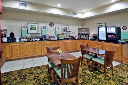 Country Inn & Suites by Carlson Albany Photo