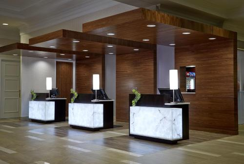 Milwaukee Marriott West Photo