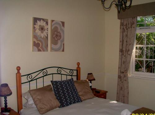 Everwood Manor Bed and Breakfast Photo