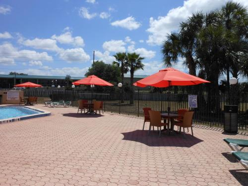 Ramada Davenport Orlando South Photo