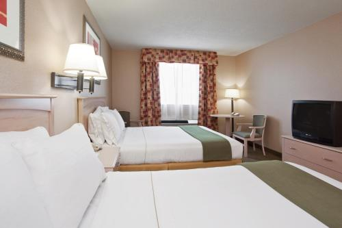Holiday Inn Express Cleveland - Vermilion Photo