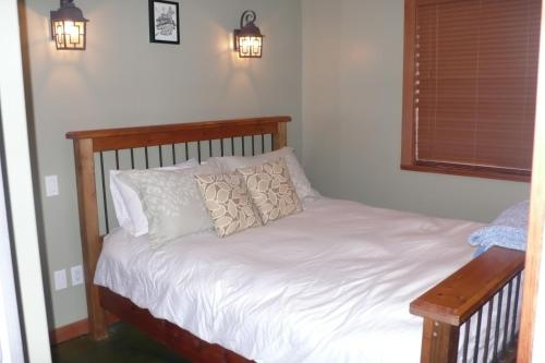 The Lighthouse Bed and Breakfast Photo