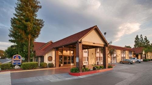 Picture of Best Western Town & Country Lodge