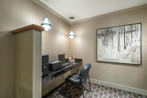 Residence Inn Boston Franklin Photo