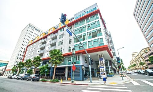 Wilshire Getaway Apartment Photo