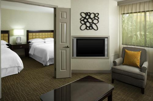 Sheraton Suites Orlando Airport Hotel photo 12