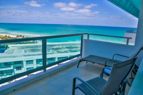Oceanfront Contemporary Suites Photo
