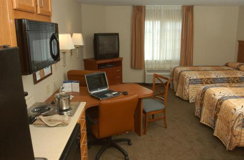 Candlewood Suites Medford Photo