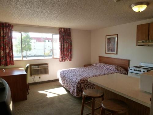 Sunshine Motel II - Fife, WA 98424