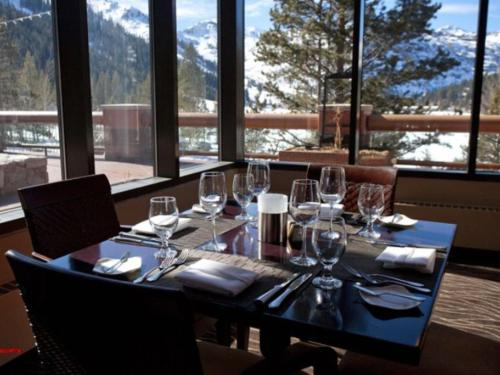 Resort At Squaw Creek 85 - Olympic Valley, CA 96146