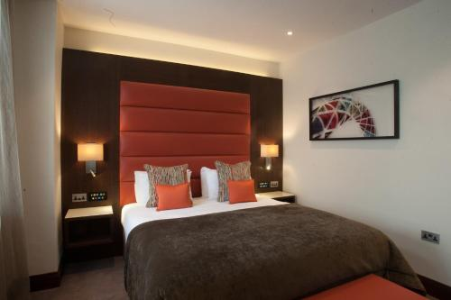 Image of St George's Hotel - Wembley