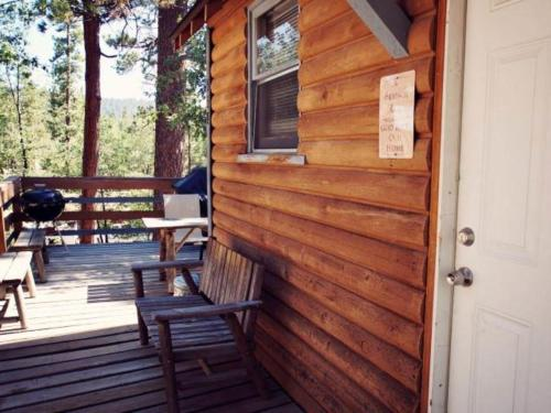 A Honeymooner's Hideaway - Big Bear Lake, CA 92315