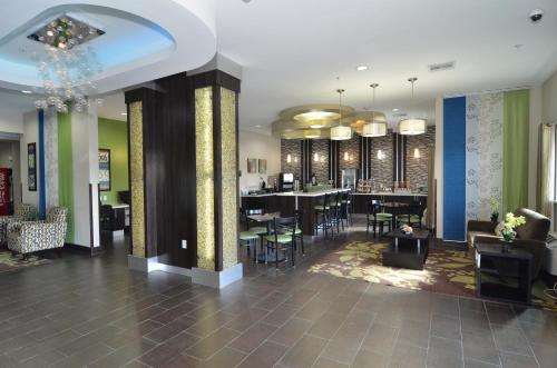 Quality Inn & Suites Kenedy - Karnes City Photo