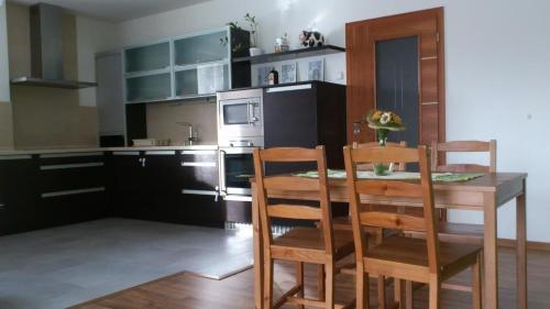 http://www.booking.com/hotel/cz/apartment-abc.html?aid=1728672