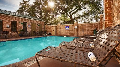 Best Western Plus Savannah Historic District - Savannah, GA 31401