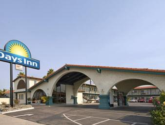 Days Inn Costa Mesa/Newport Beach Photo