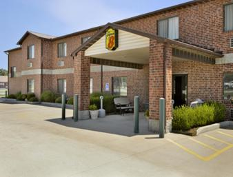 Super 8 Chanute - Chanute, KS 66720
