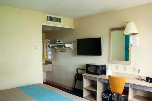 Motel 6 Miles City Photo