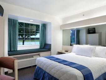 Microtel Inn & Suites by Wyndham Broken Bow Photo