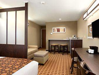 Microtel Inn & Suites by Wyndham Aztec Photo
