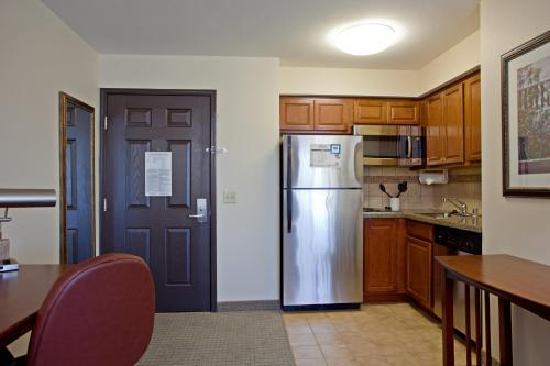 Staybridge Suites Palmdale Photo