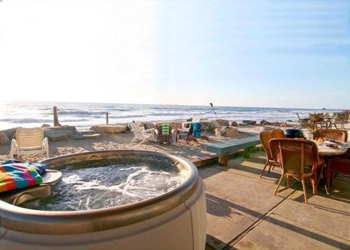 Oceanside Beachfront Home 7 - Oceanside, CA 92054