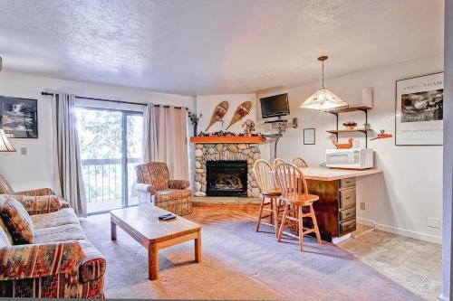 Yosemite Small Loft Condominium Photo