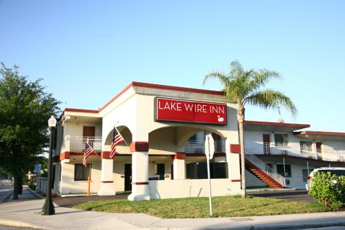 Lake Wire Inn Photo