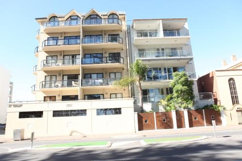 Glenelg Beachside Apartments photo 22