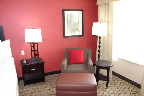 Holiday Inn Salina Photo