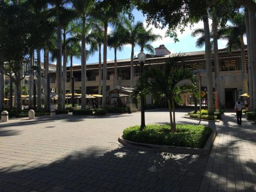 LYX Suites at Merrick Park in Coral Gables Photo